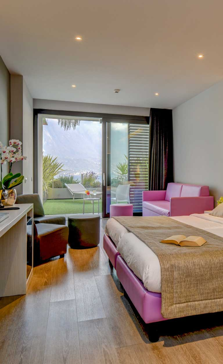 room with lake view Garda